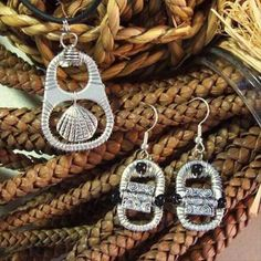 colar e brinco de lacre Soda Tab Crafts, Can Tab Crafts, Diy Crafts, Recycled Jewelry, Handmade Jewelry, Wire Jewelry, Jewelry Crafts, Jewelry Ideas, Jewellery