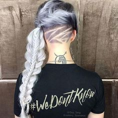 Undercut Long Hair: Long Undercut Hairstyles and Haircuts for Women Silver Ombre Hair, Blond Ombre, Ombre Hair Color, Grey Ombre, Hair Colors, Undercut Hairstyles Women, Undercut Women, Diy Hairstyles, Guy Tang