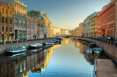 Canals and colorful buildings in Saint Petersburg, Russia St Petersburg Russia, St Pétersbourg Rússie, The Places Youll Go, Places To See, Boat Tours, Most Beautiful Cities, Amazing Places, Resorts, Wonders Of The World