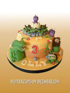 Dinosaur themed cake - by Bezmerelda @ CakesDecor.com - cake decorating website