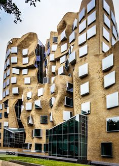 Bending Bricks The building designed by Frank Gehry for the UTS in Sydney is a fascinating architectural design with the brickwork weaving around the exterior