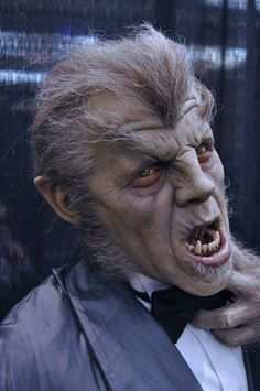 By Mike Hill? Universal pieces from Monsterpalooza in Classic Horror News and Events Forum