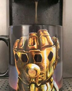 IS AMAZING ! This Coffee Mug of Thanos from Marvel Avengers Infinity War and Endgame is Amazing.This Coffee Mug of Thanos from Marvel Avengers Infinity War and Endgame is Amazing. Marvel Avengers, Marvel Jokes, Funny Marvel Memes, Marvel Art, Marvel Dc Comics, Marvel Heroes, Thanos Marvel, Die Rächer, Disney Marvel