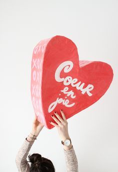 Add a special touch to your Valentine's Day festivities with this DIY Papier Maché Heart. Add a special touch to your Valentine's Day festivities with this DIY Papier Maché Heart. Valentines Bricolage, Valentine Crafts, Valentines Day Hearts, Valentine Day Love, My Funny Valentine, Vintage Valentines, Fun Crafts, Diy And Crafts, Paper Crafts