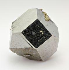 mineralia:    Carrollite from the Congo