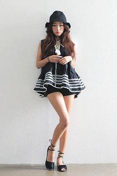 Today's Hot Pick :タッセルリボンレースポイントAラインブラウス http://fashionstylep.com/SFSELFAA0025375/stylenandajp/out