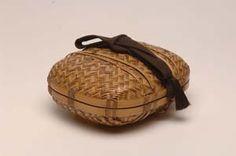 Tea utensil basket by Ichiro Tsujimura (contemporary bamboo artist). www.hanakago.com
