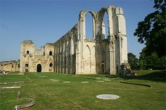 Abbaye Saint Pierre de Maillezais (85420)