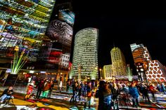 BERLIN, Festival of Lights, hier am Potsdamer Platz -  every year in october - Großstadt-Lichtzauber :-)