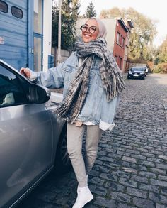 How to style hijab outfit for winter on this season muslim fashion, street hijab