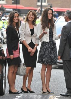 cf2006b1629 25 Celebrity Moms And Daughters Whose Style We Love (PHOTOS) Kate Middleton  Sister