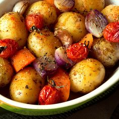 Receta de papa asada para decorar - Vegetable and Vegan Recipes - Patatas Lunches And Dinners, Meals, Lime Recipes, Vegetarian Recipes, Healthy Recipes, Colombian Food, Creative Food, Tasty Dishes, Food And Drink