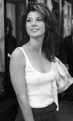 19 Super Hot Images of Marisa Tomei Aka Aunt May That Won't Let You Sleep - Animated Times Beautiful Celebrities, Beautiful Actresses, Gorgeous Women, Marisa Tomei Hot, Marissa Tomei, Divas, Look At You, American Actors, Famous Women