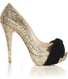 Black and Gold Shoes - these would be great for New Year's Eve!