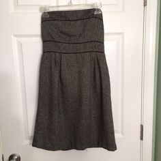 ‼️CLEARANCE‼️✨Forever 21 Strapless Gray Dress✨ Pre-loved Forever 21 gray dress in great condition.  Strapless, empire waist, back zipper closure.  This is a thicker material.  Fully lined.  Size M. Forever 21 Dresses Mini