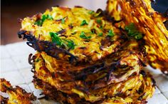 Rösti af rodfrugter - recipe in Danish Veggie Recipes, Vegetarian Recipes, Cooking Recipes, Healthy Recipes, Veggie Food, Healthy Food, Healthy Dishes, I Love Food, Tandoori Chicken