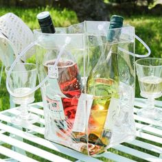 This strong, durable bag is perfect for carrying your chilled wines complete with ice or cold water with ease. The perfect portable ice bucket! Waterproof, leak proof and made of high quality plastic, it's the smart way to keep your food and drinks ice cold while you find that perfect picnic spot! Portable, lightweight, flexible and durable PVC to ensure no leaks, complete with sturdy carry handles.