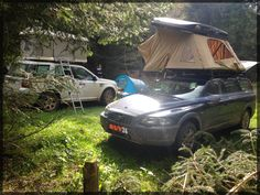 Bivouac en Cévennes. suv-34. Volvo XC70 avec tente de toit Hussarde quatro de Naitup