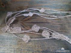 Collar largo tejido en hilo de plata. EVACLEMENTE Collar, Jewelry Making, Jewellery, Crochet, Bracelets, Silver, How To Make, Fashion, Dots