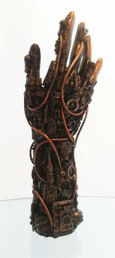 a techno hand sculpture. Louise Bourgeois, Steampunk Kunst, Steampunk Diy, Steampunk Fashion, Techno, Kitsch, Show Of Hands, Hand Sculpture, 3d Studio