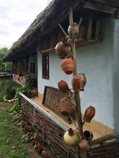 Old Country Houses, Country Life, Country Living, Viking House, Visit Romania, Rural House, Unusual Homes, Modern Landscaping, Traditional House
