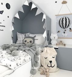 Kid's room inspiration | Bear lamp available at www.istome.co.uk
