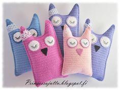 Prinsessajuttu: Virkattu pöllö, crocheted owl, instructions are in finnish but there are pictures. Crochet Carpet, Crochet Home, Crochet Gifts, Crochet For Kids, Crochet Owls, Crochet Cushions, Crochet Baby, Crochet Patterns, String Art Tutorials