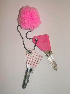 Gabulle in wonderland: Customiser vos clés avec du masking tape http://gabulleinwonderland.blogspot.fr/2013/07/customiser-vos-cles-avec-du-masking-tape.html