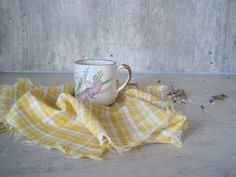 Cloth Napkins Set of 5 Yellow White Plaid Dinner by woolpleasure