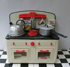 ️Vintage Stove with pots and pans,