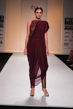 Kiran Uttam Ghosh @ Wills Lifestyle India Fashion Week Mar 2014 Diwali Fashion, India Fashion, Asian Fashion, Look Fashion, Fashion Design, Tokyo Fashion, Street Fashion, Anarkali, Lehenga