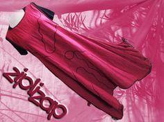 multivariable Tunika aus Leinen  in dunkelrot eingefärbt    mit coverstich bestickt  Seitennahttaschen, Zipfelknoten Saum und an den Seiten   kann nac
