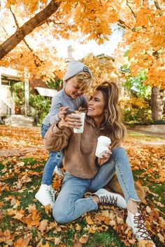 Being a 'blended' family & sharing kids online Mother Son Pictures, Fall Family Pictures, Family Picture Poses, Mom Pictures, Family Picture Outfits, Family Posing, Blended Family Pictures, Family Portraits, Mommy And Son