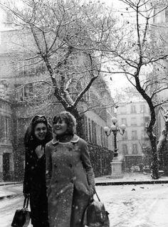 Robert Doisneau ( La Neige ) - Il neige place Furstenberg 3 décembre 1966