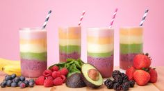 Brighten Your Day With a Rainbow Smoothie: Rainbows make us happy. Brighten Your Day With a Rainbow Smoothie: Rainbows make us happy. Protein Smoothies, Rainbow Smoothies, Avocado Smoothie, Smoothie Bowl, Fruit Smoothies, Simple Smoothies, Rainbow Fruit, Health Lunches, Stem Challenge