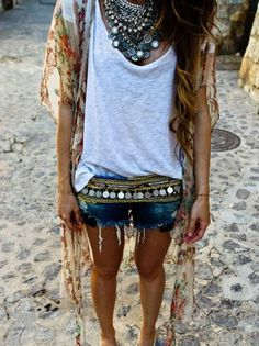 easy chic festival outfit.