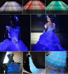Cloth made of light-emitting optical fiber thread