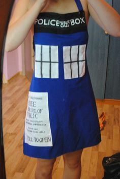 Tardis Apron  •  Free tutorial with pictures on how to make an apron / toolbelt in 8 steps
