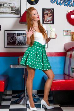Puntíkatá retro sukně Rosnička, zelená