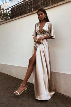 A-Line Deep V-Neck Cheap Modest Satin Evening Prom Dress with Split, A-Line Deep V-Neck Cheap Modest Satin Evening Prom Dress with Split, A-line tiefem V-Ausschnitt billig bescheidenen Satin Abendkleid mit Split, Trendy Dresses, Elegant Dresses, Beautiful Dresses, Fashion Dresses, Womens Formal Dresses, Modest Fashion, Semi Formal Outfits, Formal Gowns, Prom Dresses With Sleeves