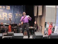 Phantom of the Opera Broadway - Norm Lewis Stars in the Alley Performance - YouTube