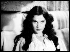 VIVIEN LEIGH : Inoubliable Scarlett O'Hara de Autant en Emporte le Vent, mais aussi Blanche de Un Tramway nommé Désir… Une magnifique et talentueuse actrice.