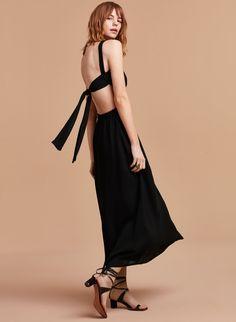 3063f76373 s17 04 a08 62738 1274 on b.jpg (1920×2623) Aritzia Dress