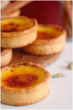 Bourke Street Bakerys Ginger Brulee Tarts These are extra yummy tarts Mini Desserts, Just Desserts, Delicious Desserts, Yummy Food, Tart Recipes, Sweet Recipes, Dessert Recipes, Cooking Recipes, Sweet Pie