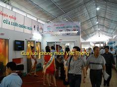 Showroom trưng bày cửa lưới chống muỗi Việt thống