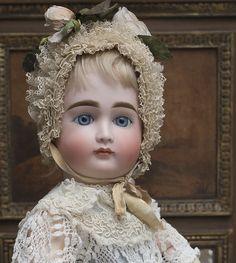 Ранний КЕСТНЕР с закрытым ртом, 1880е годы, 55 см - на сайте антикварных кукол.
