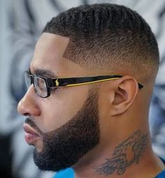 Fade Haircut for Black Men can give that fantastic fresh and clean feel that fades do. Such black men haircuts offer varied lengths for hair. Fade Haircut With Beard, Taper Fade Haircut, Beard Haircut, Tapered Haircut, Black Man Haircut Fade, Black Men Haircuts, Black Men Hairstyles, Cool Haircuts, Hairstyles Haircuts