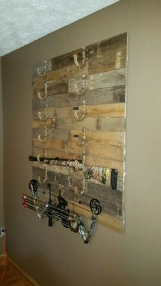 Homemade Pallet Gun Rack Gretchen Is Her Name Killing Is Her Game