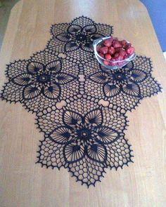 One of the most beautiful crochet works I have ever seen. Crochet Doily Patterns, Thread Crochet, Filet Crochet, Crochet Motif, Irish Crochet, Crochet Designs, Crochet Doilies, Crochet Flowers, Knitting Patterns