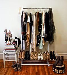 Hey Cute - Por Karla Lopes.: {decoração} Araras de roupas no seu quarto